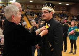 Golden wrap on Homecoming 2015