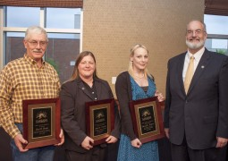 Staff and faculty members recongized with awards