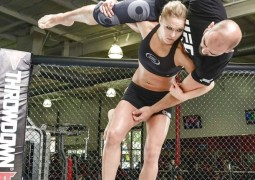 Rousey takes hold of UFC